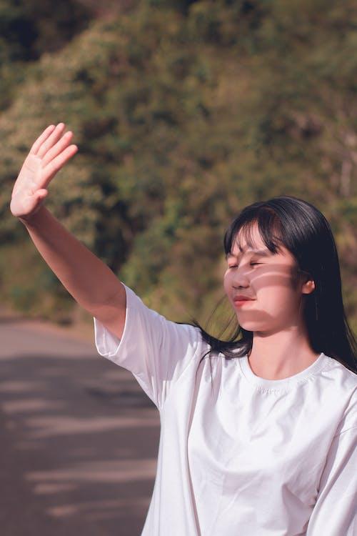 Gratis stockfoto met Aziatisch meisje, Aziatische vrouw, bomen, daglicht
