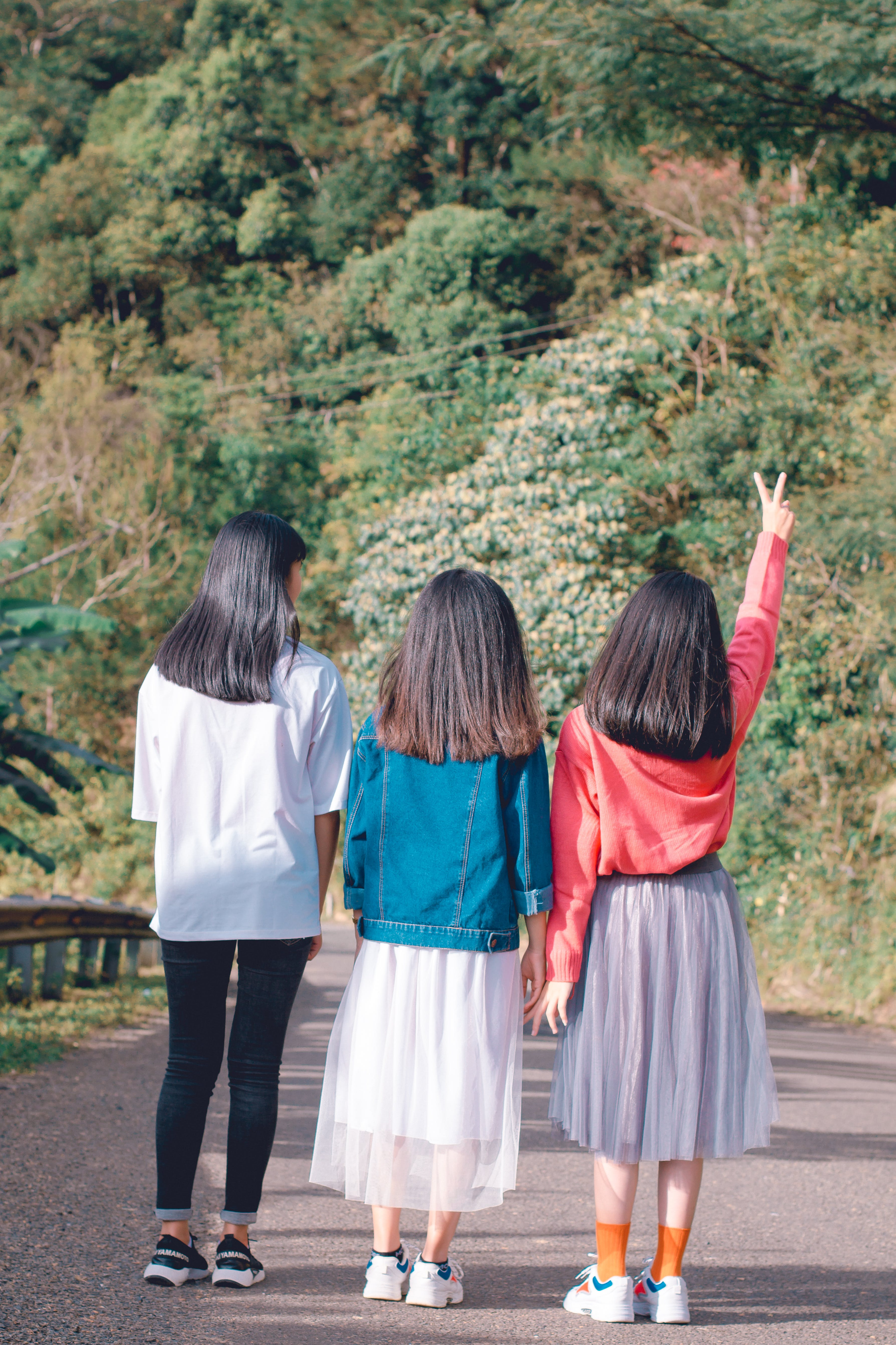 Free stock photo of asian girls, daylight, friends, friendship