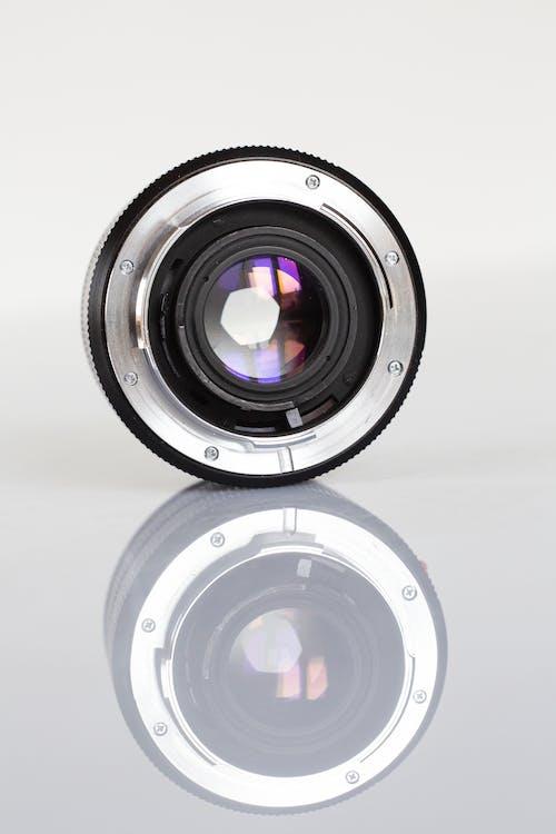 Kostenloses Stock Foto zu ausrüstung, kameraobjektiv, linse, reflektierung