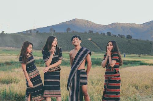 Безкоштовне стокове фото на тему «вираз обличчя, Денне світло, Дружба, жінки»
