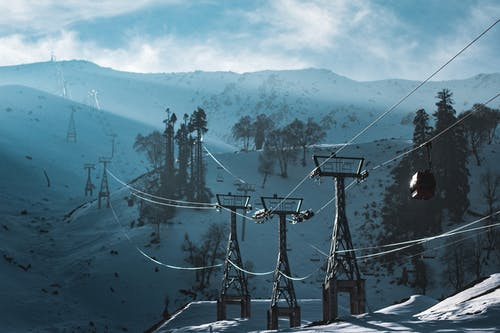 Kostenloses Stock Foto zu bäume, berg, berge, blau