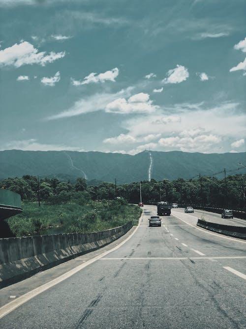 Fotos de stock gratuitas de al aire libre, arboles, autopista, caminos de montaña