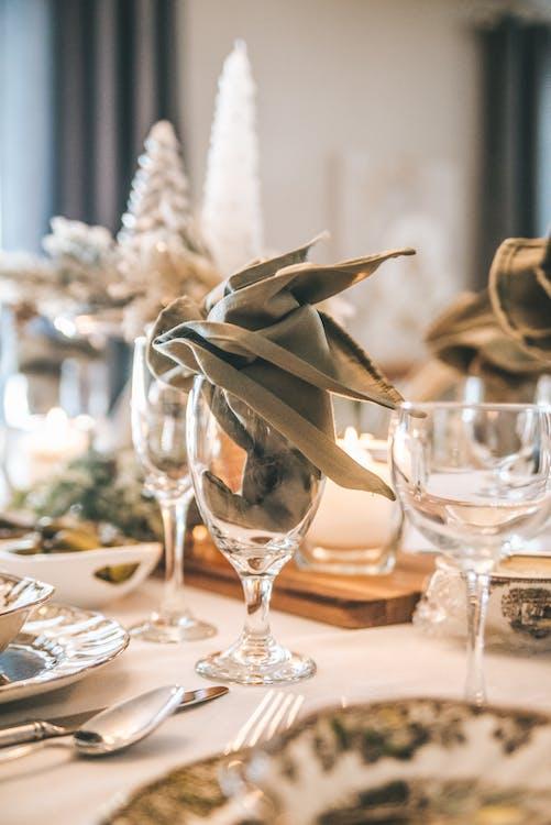 aranjarea mesei, argintărie, cină