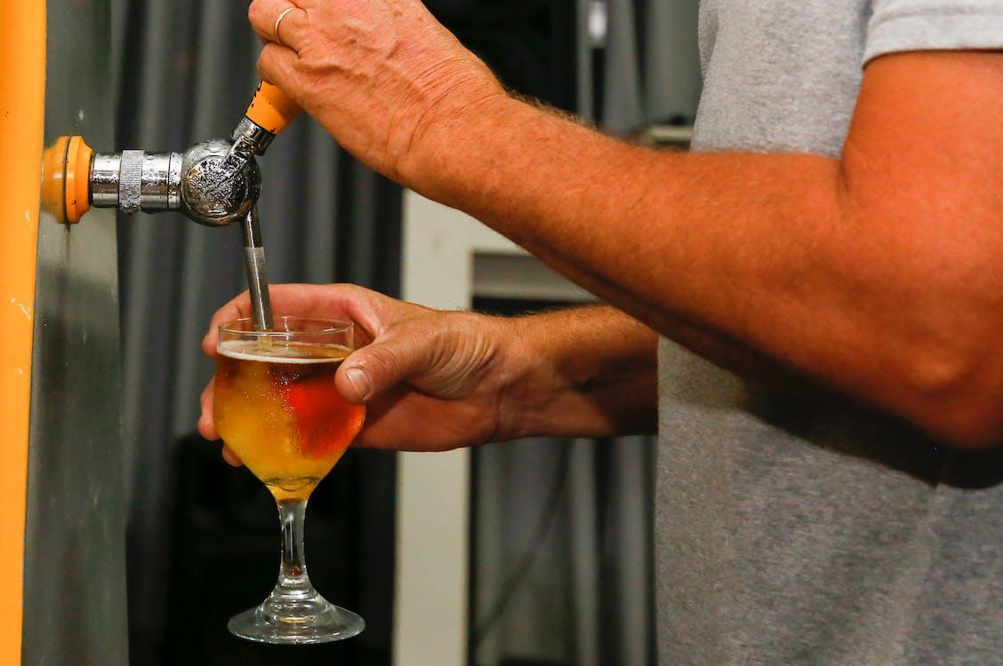 alkoholický nápoj, nápoj, pití