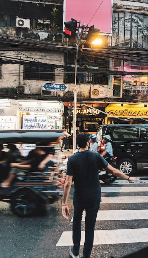 Foto profissional grátis de arquitetura, asiáticos, Bangkok, carros