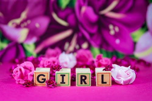 Foto stok gratis abc, berwarna merah muda, bunga-bunga, cewek