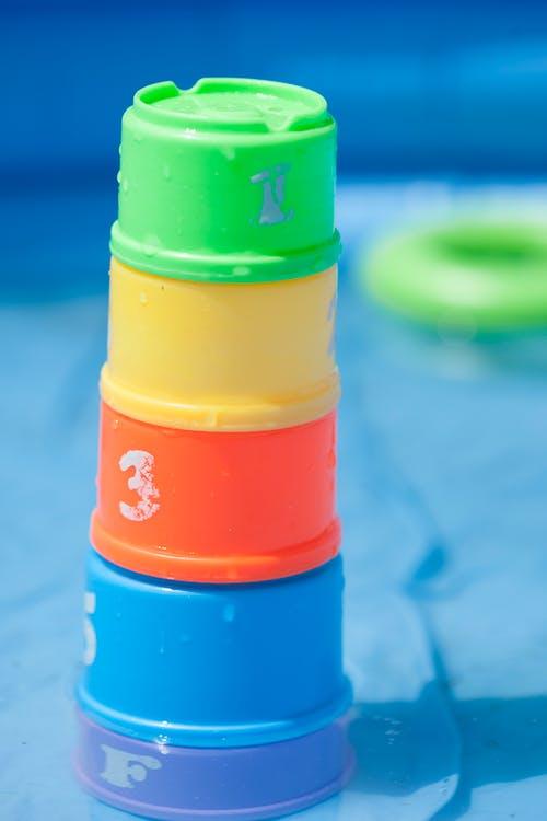 Fotobanka sbezplatnými fotkami na tému batoľatá, bezpečnosť bazéna, hračky, plávanie