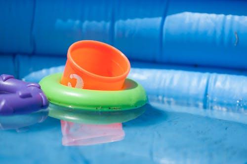 Fotobanka sbezplatnými fotkami na tému batoľatá, bezpečnosť, bezpečnosť vody, hračky