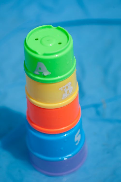 Fotobanka sbezplatnými fotkami na tému bezpečnosť bazéna, detské hračky, hračky, plávanie