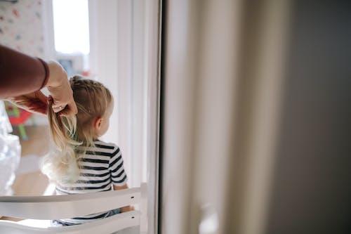 Fotobanka sbezplatnými fotkami na tému černošskej vrkôčiky, dcéra, denné svetlo, dieťa