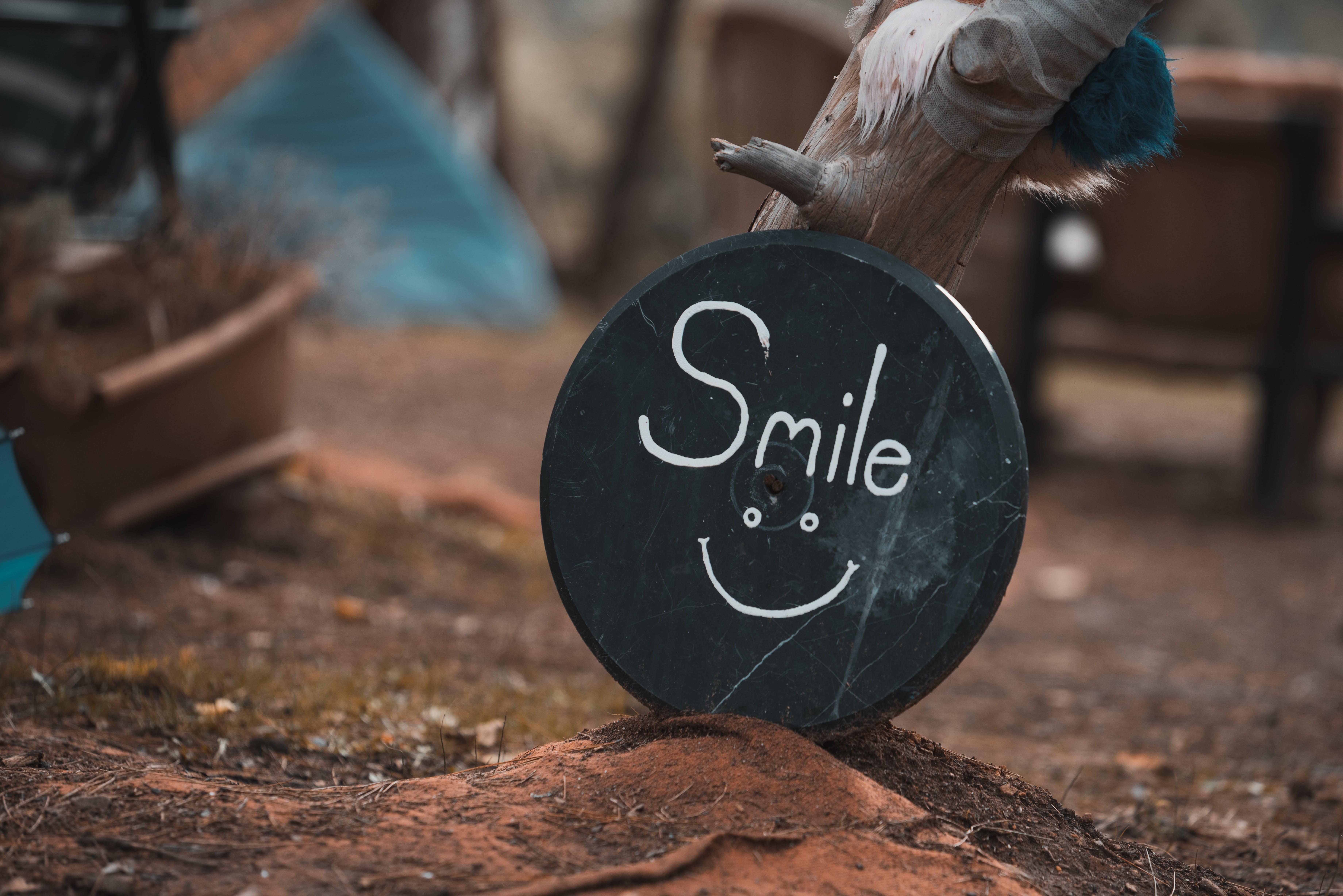 Kostenloses Stock Foto zu fröhlich, glück, lächeln