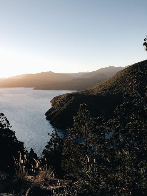 Kostnadsfri bild av berg, dagsljus, hav, kust