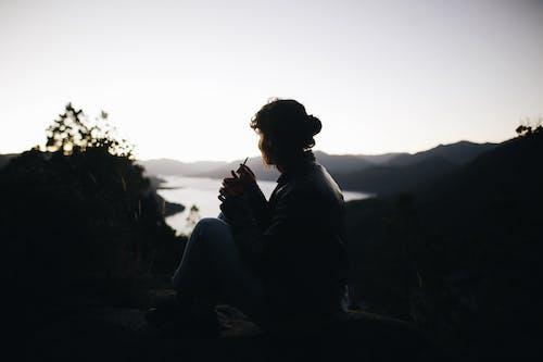 Kostnadsfri bild av bergen, flicka, himmel, horisont