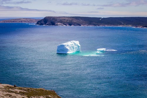 Foto profissional grátis de cênico, gelo, iceberg, mar
