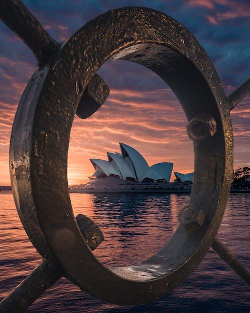 Kostenloses Stock Foto zu architektur, australien, dämmerung, meer