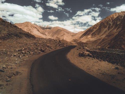 乾旱, 乾的, 山, 日光 的 免费素材照片