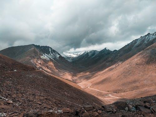 Kostnadsfri bild av bergen, dagsljus, klippig, landskap