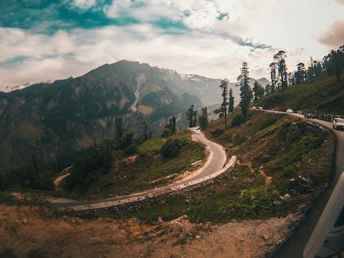 Gratis lagerfoto af bjerg, køre, landskab, vej