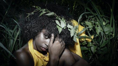 Gratis arkivbilde med naturlig hår, svart kvinne, vakker kvinne