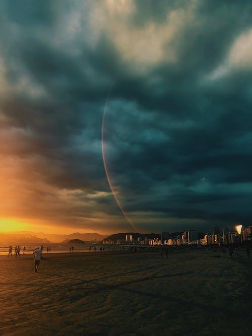 Foto stok gratis air, alam, angin ribut, awan