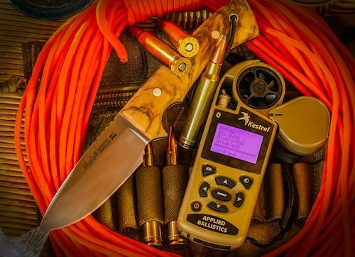 Foto d'estoc gratuïta de # knive # ammo # munition # army # kestrel'hunting, #outdoorchallenge