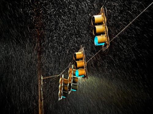 Gratis lagerfoto af gadefotografering, glød, mørk, nat