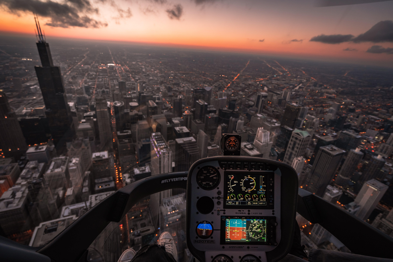 Ingyenes stockfotó ég, épületek, hajnal, helikopter repülés témában