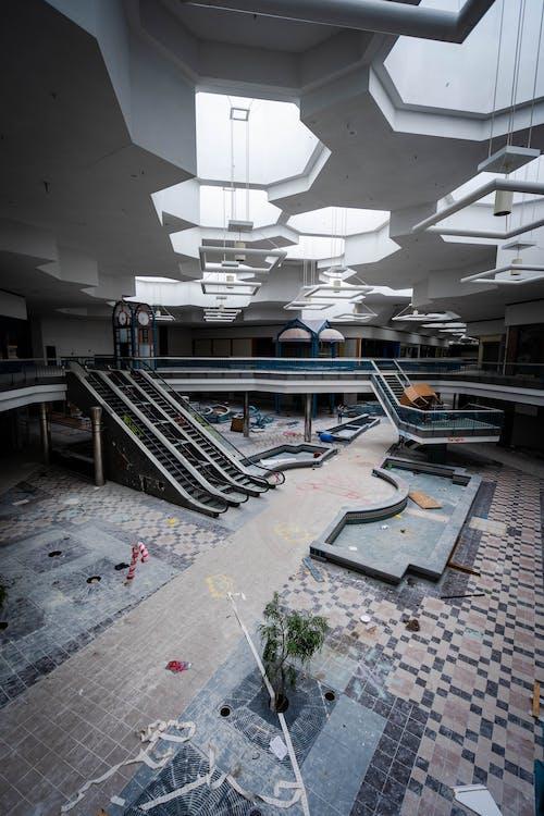 Безкоштовне стокове фото на тему «архітектура, Будівля, всередині, Ліхтарі»