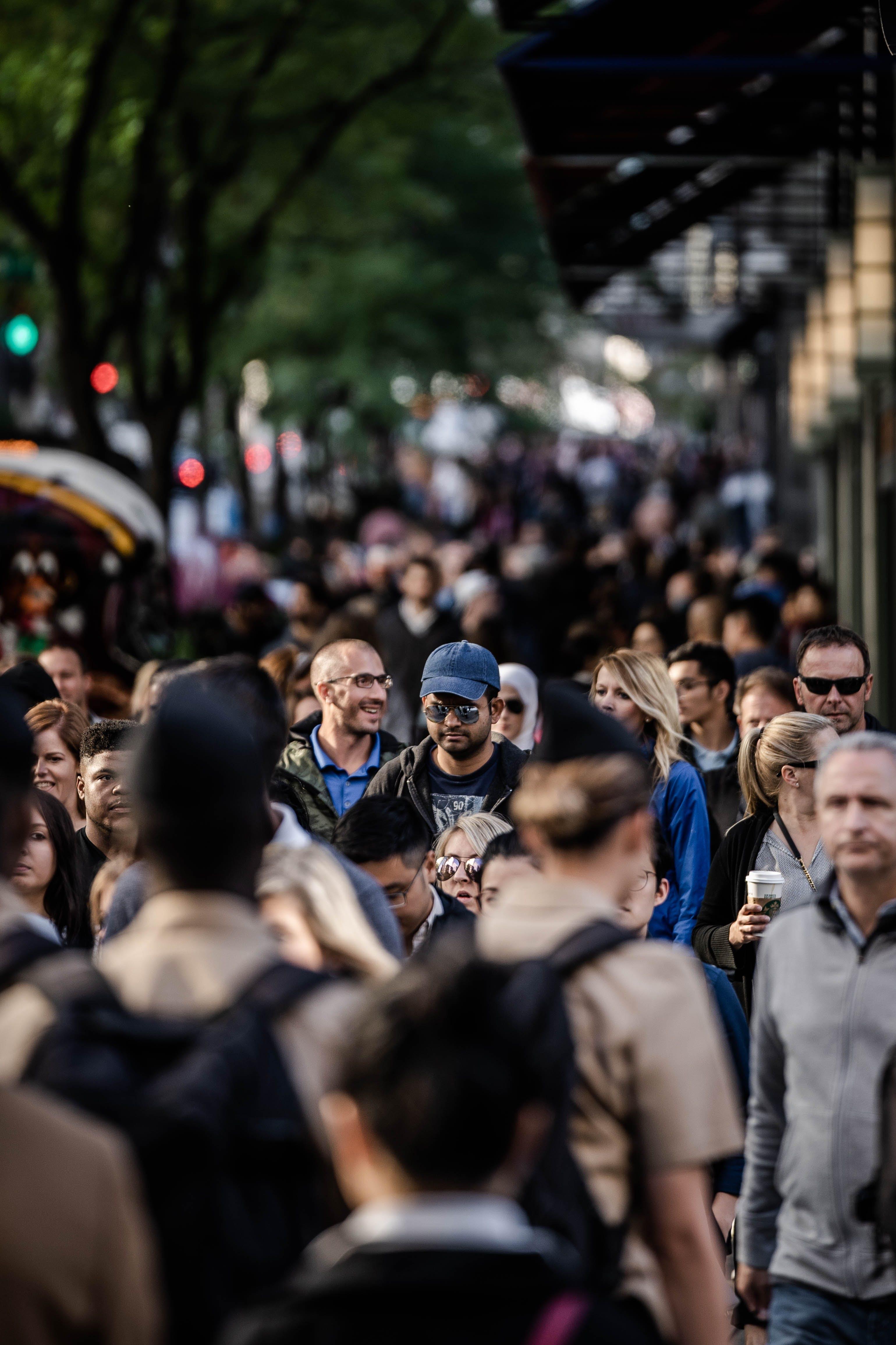 Kostnadsfri bild av folkmassa, fullt med folk, gående, gata