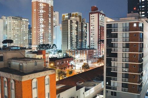 公寓建築, 城市, 城市的燈光, 天際線 的 免费素材照片