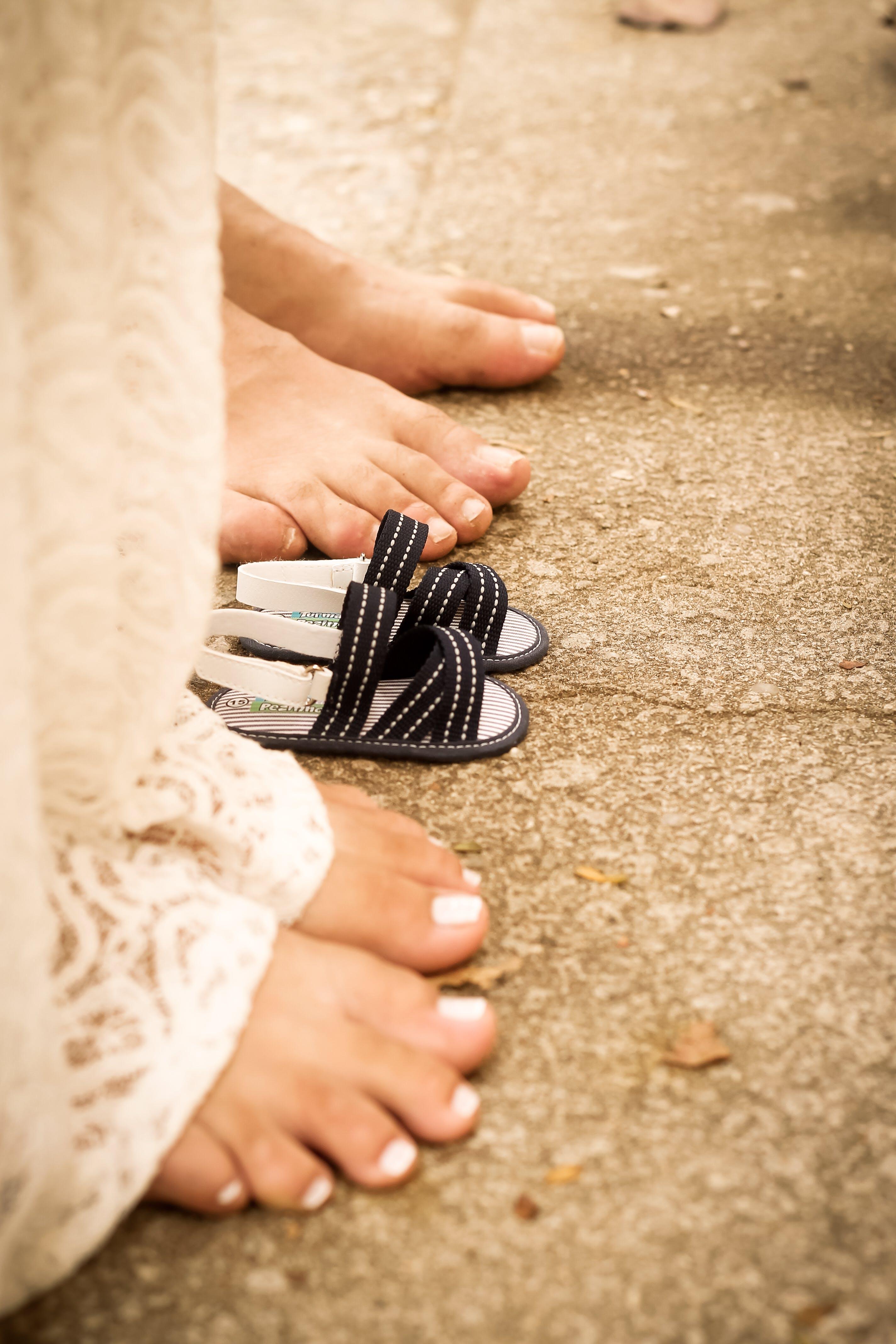 Základová fotografie zdarma na téma chodidla, lidé, naboso, očekávání