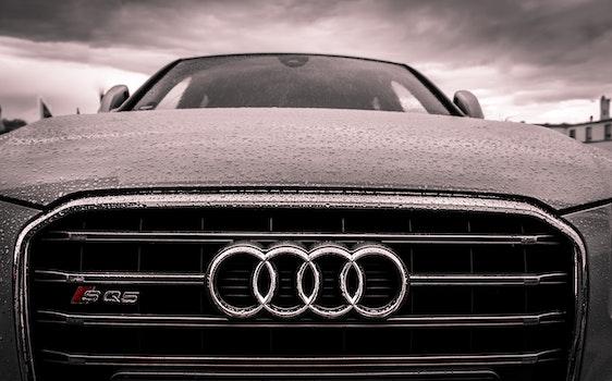 Kostenloses Stock Foto zu schwarz und weiß, auto, fahrzeug, luxus