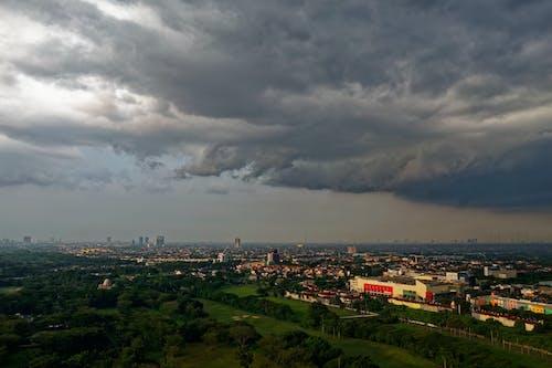 Бесплатное стоковое фото с архитектура, буря, вечер, город