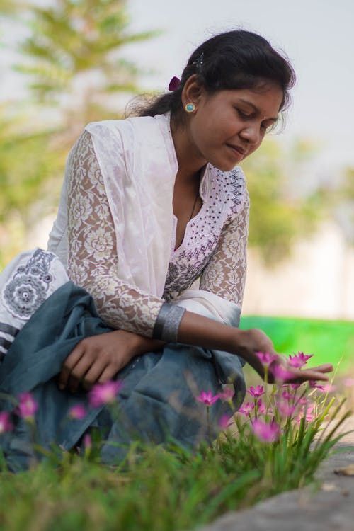 bitki örtüsü, Çiçekler, güzel, güzellik içeren Ücretsiz stok fotoğraf