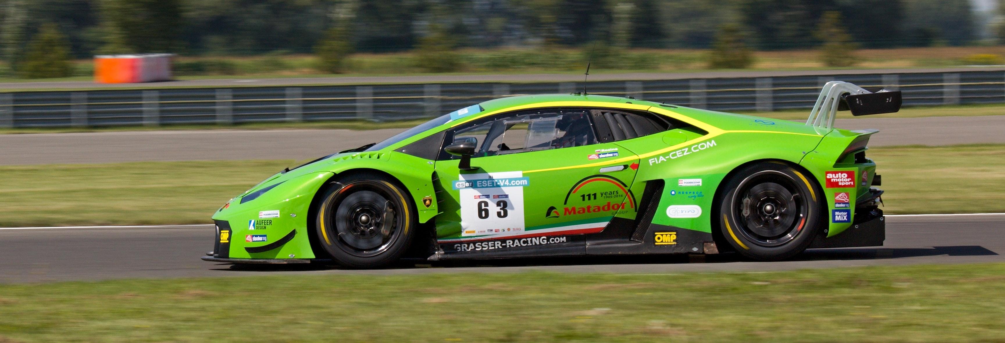 1000+ Engaging Race Car Photos · Pexels · Free Stock Photos