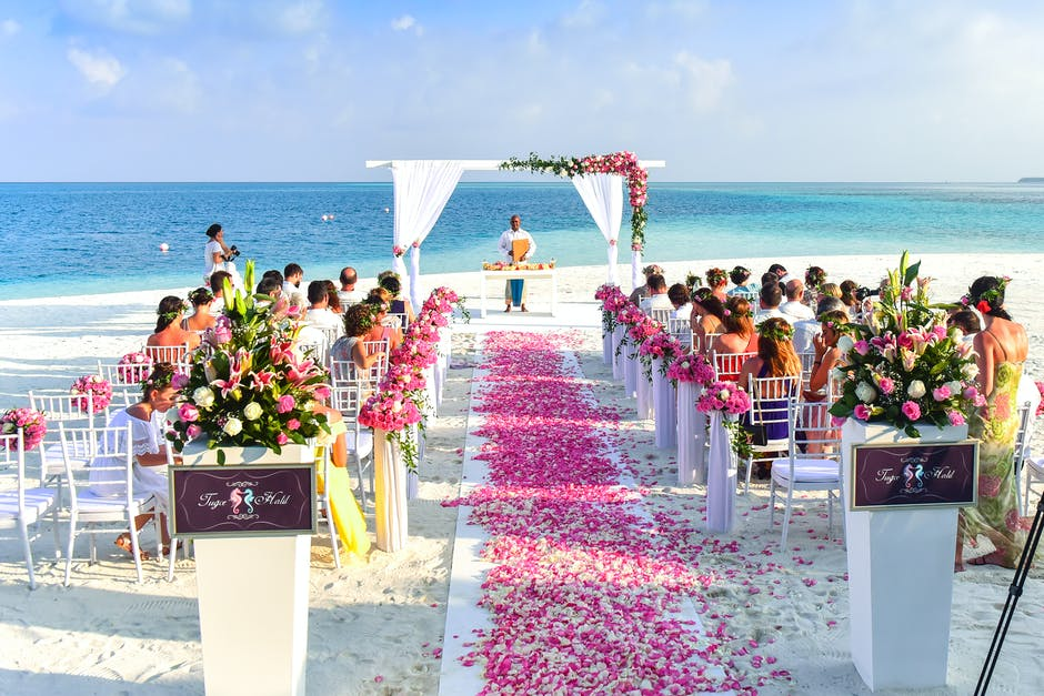 Enter into Wedded Bliss with a Beachside Ceremony