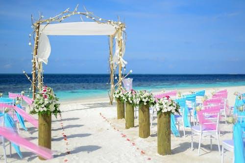 Δωρεάν στοκ φωτογραφιών με άμμος, γάμος στην παραλία, διακόσμηση, ηλιόλουστος
