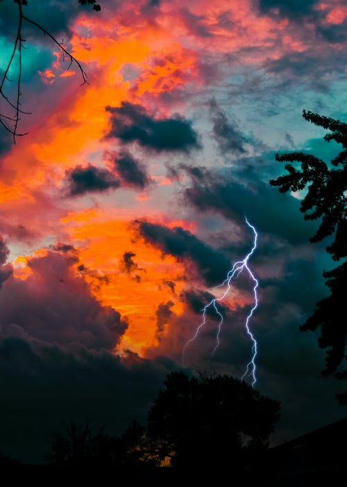 Kostenloses Stock Foto zu blitzschlag, dämmerung, himmel, sonnenaufgang