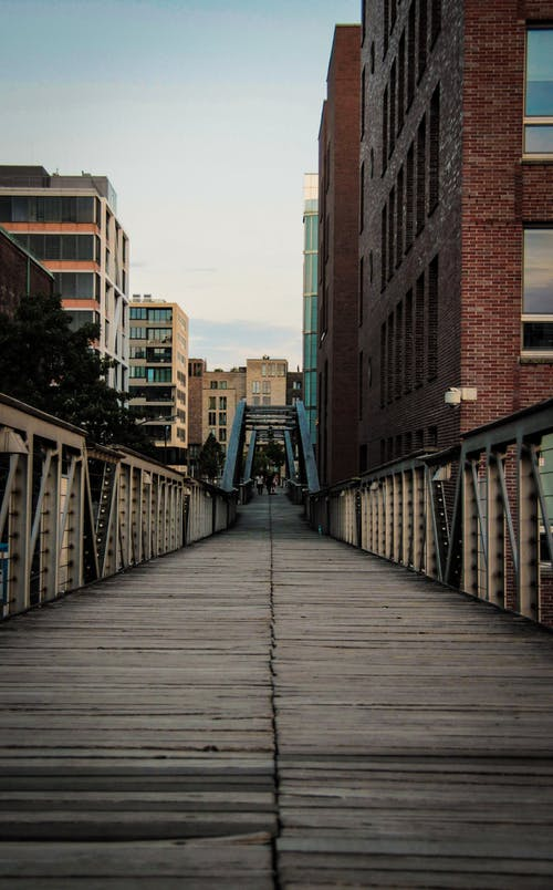 Foto stok gratis Arsitektur, bangunan, bay bridge, bingkai logam