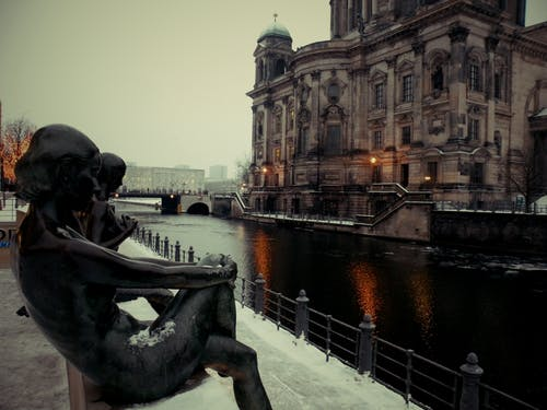 Free stock photo of berlin, catedral, monumental sculpture, snow
