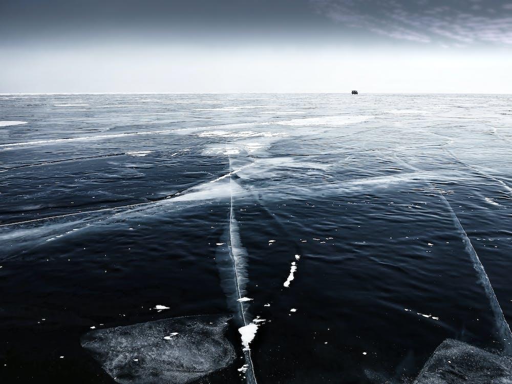 Danau Vostok berada dibawah lapisan es