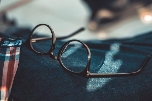 Gratis stockfoto met accessoire, bril, brillen, cameralens