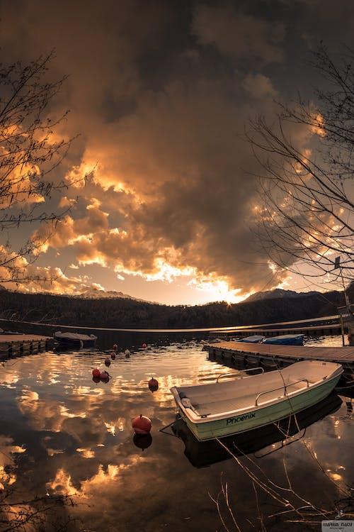 Ilmainen kuvapankkikuva tunnisteilla #auringonlasku, #clouds, #light, #taivas