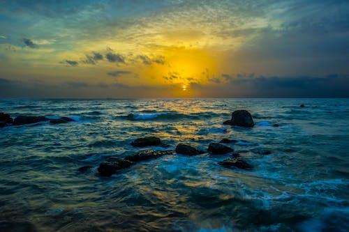 Foto profissional grátis de litoral, mar
