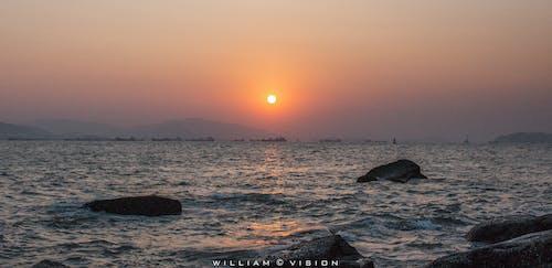 岩石, 日落, 海 的 免費圖庫相片