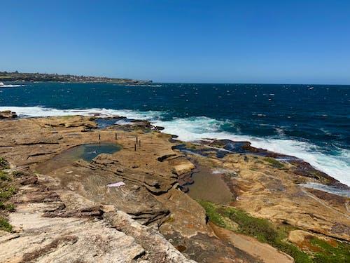 Avustralya, deniz kıyısı, kaya havuzu, kıyı yürüyüşü içeren Ücretsiz stok fotoğraf
