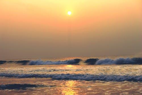 4k duvar kağıdı, dalgalar, deniz, gün doğumu içeren Ücretsiz stok fotoğraf