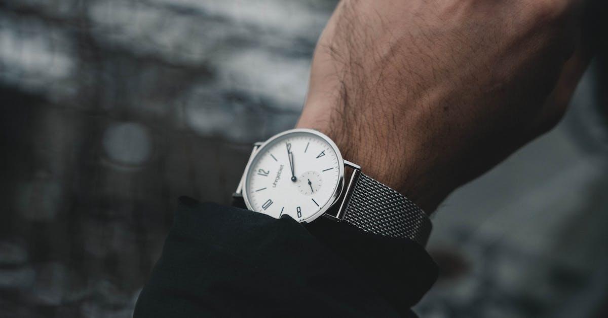 Картинка мужская рука с часами