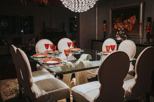 Základová fotografie zdarma na téma design interiéru, jídelna, jídelní stůl, křesla