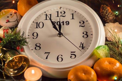 Ilmainen kuvapankkikuva tunnisteilla aika, hedelmä, seinäkello